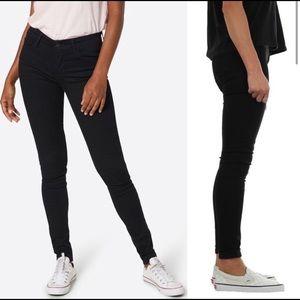 Levi's 710 Super Skinny Jeans 25